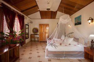 Etoile Labrine Hotel room